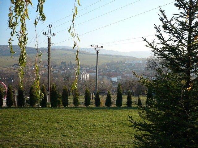 Pohled od maringotky na Bojkovice