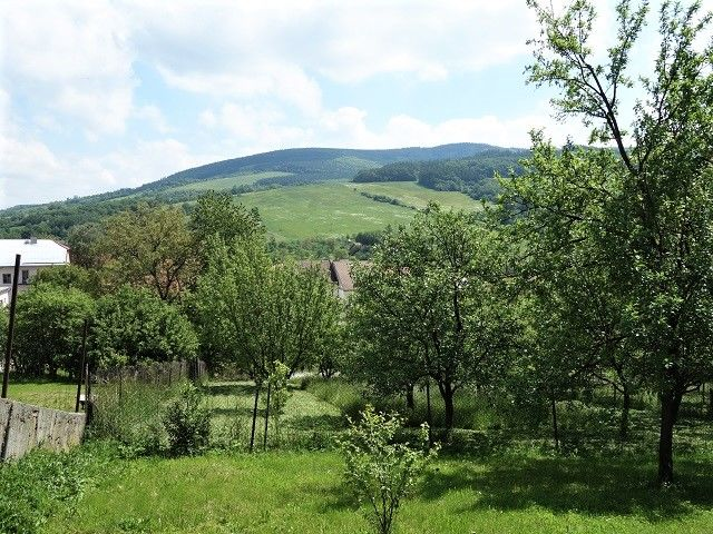Výhled z pozemku na Bílé Karpaty
