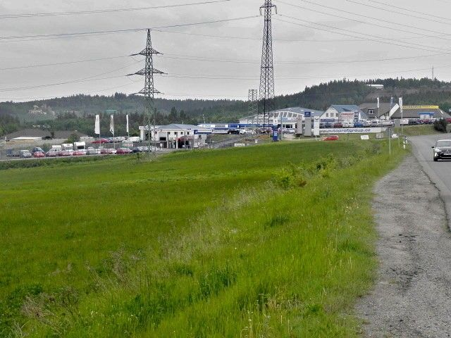 Nedaleká průmyslová zóna