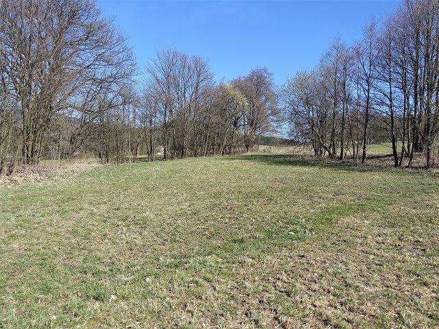 Levá zadní část pozemku