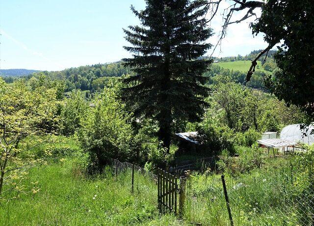 Zahrada 313 m² s chatkou, Vimperk